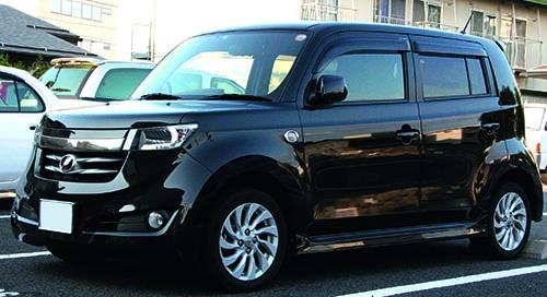 10--2005-2008_Toyota_bB