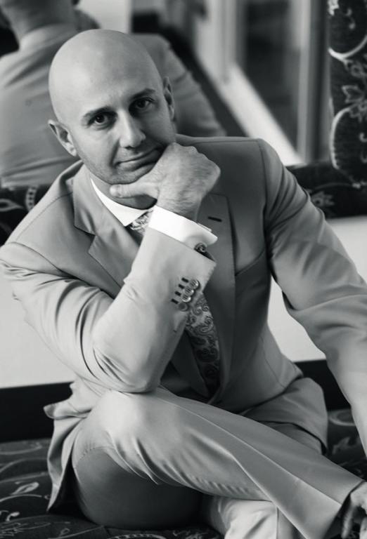 Арам Давидян, главный врач Avroraclinic, стоматолог и ювелир