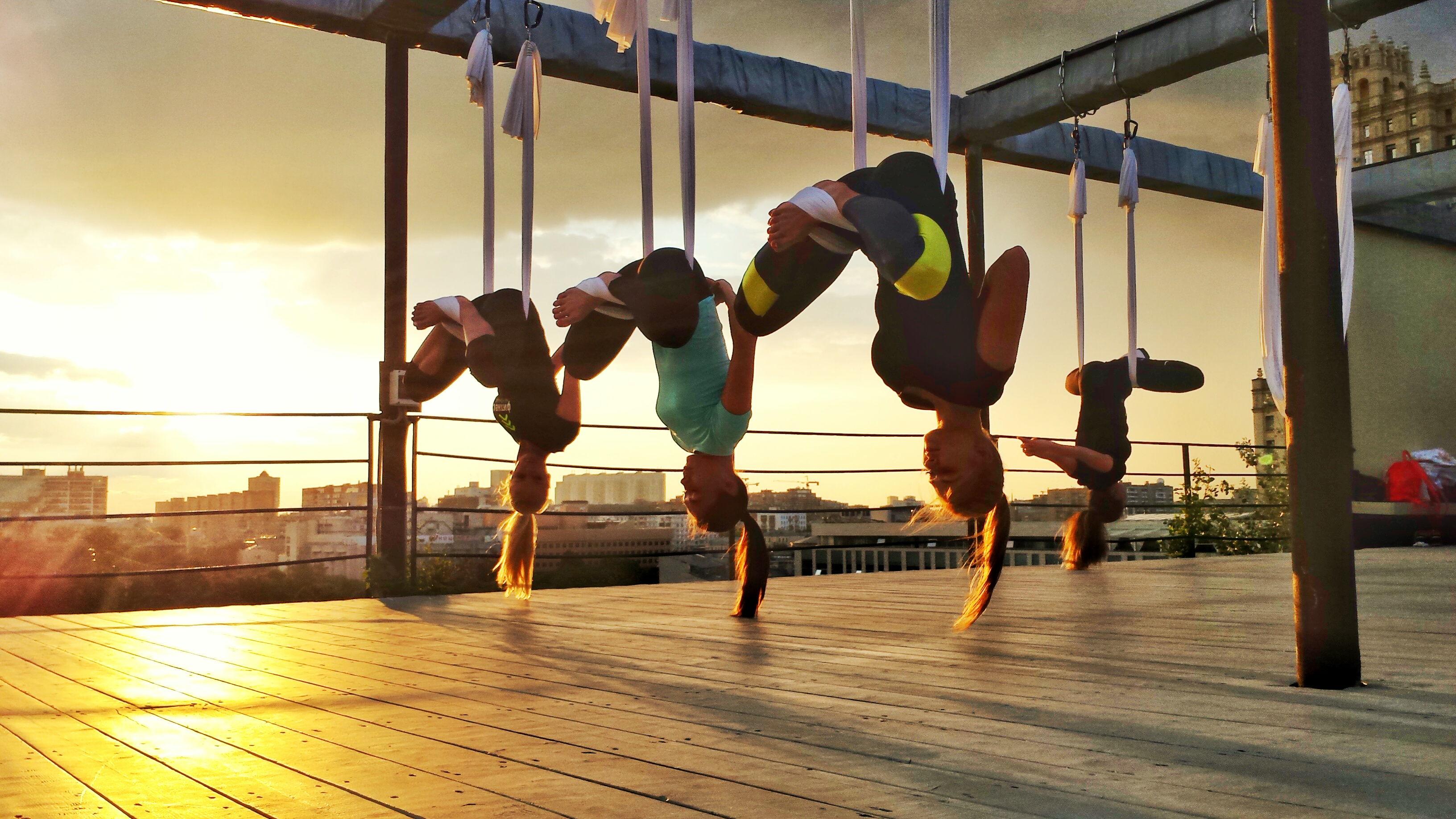 Компании FitnessHolding, фитнес на крыше, AntiGravity, Zumba, здание Наркомфина