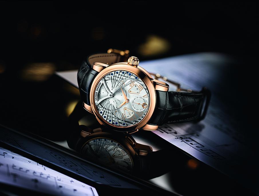 Тех, кто может себе позволить приобрести такие часы, можно смело назвать счастливчиками.