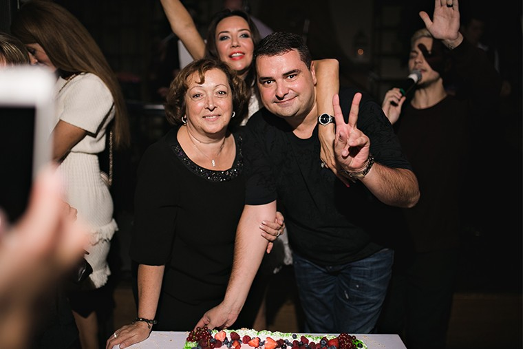 Артем Сорокин с мамой Розой Сергеевной