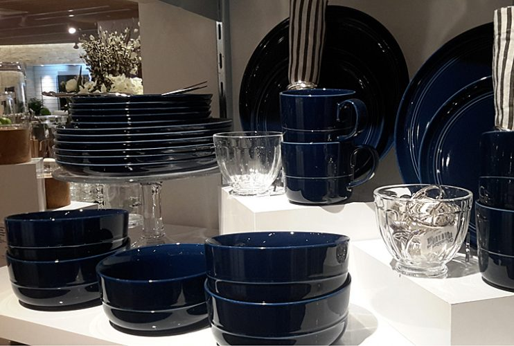 Crate and Barrel Метрополис in