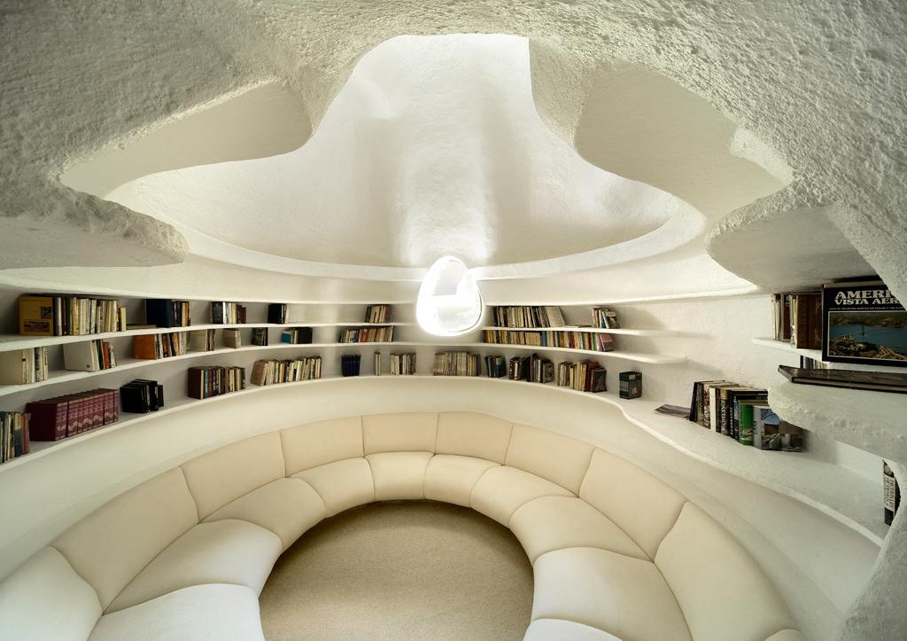 Библиотека в «Гнезде Пернатого Змея», 2008