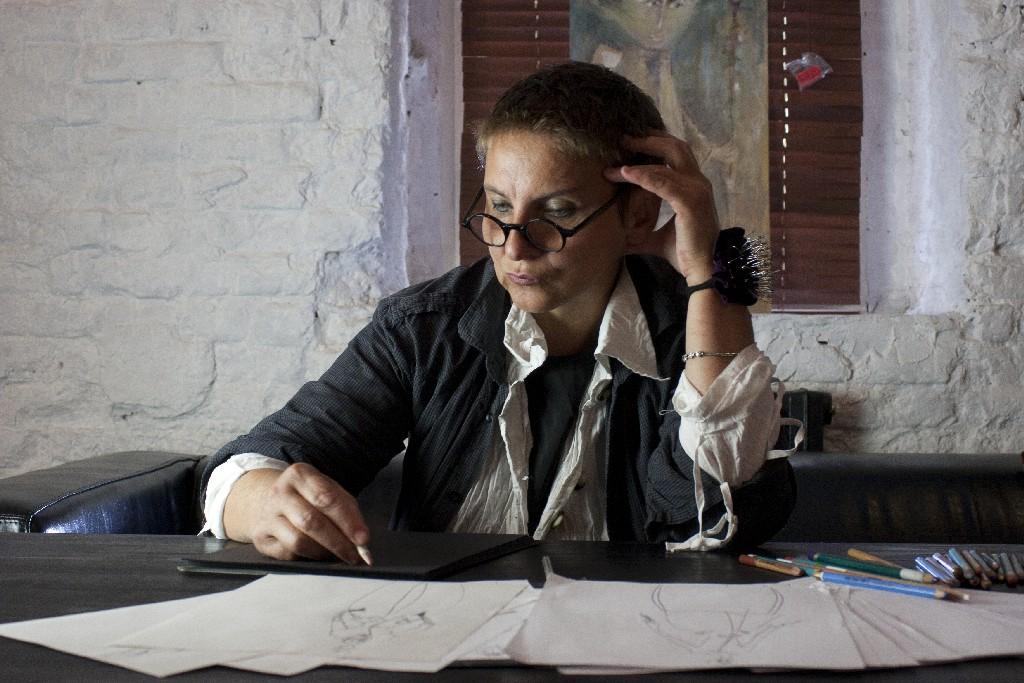 Елена Попова дизаинер б