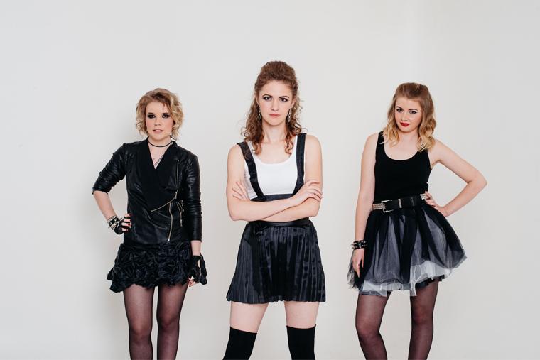 Группа Mon Avril
