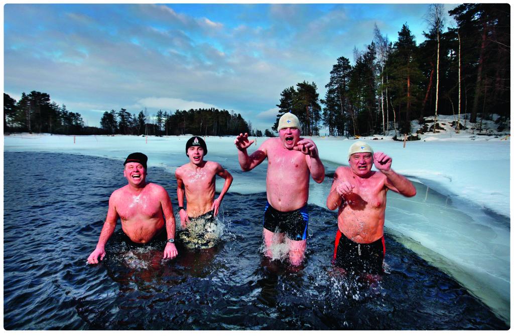 Финны говорят: «Если не помогает водка, смола или сауна, то болезнь смертельная.» А после сауны — непременно в прорубь