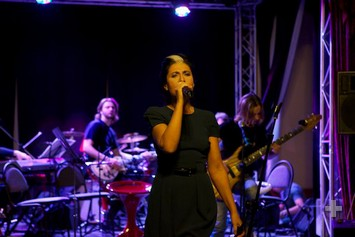 Lina-Milovich-redkaya-pevica
