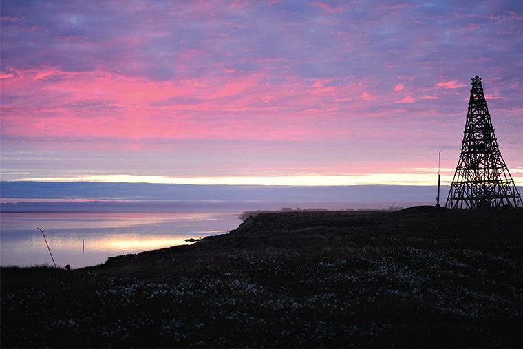 Так выглядит ночное небо на исходе полярного дня