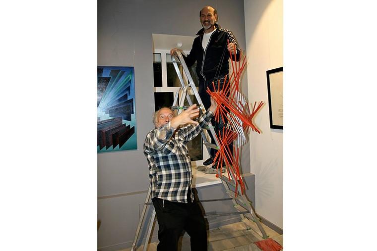 Монтаж экспозиции в галерее ARTSTORY