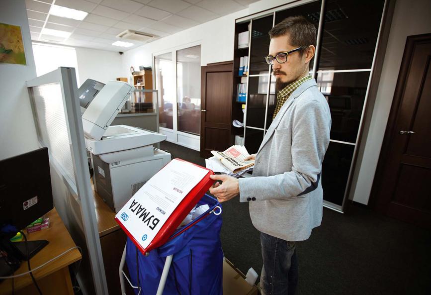 Сбор и сдача макулатуры в переработку – один из самых простых шагов для экологизации офиса