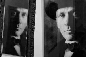 vystavka-bulgakov-dve-biografii-main