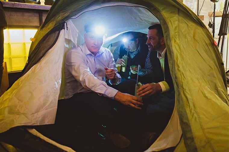 Жюри в палатке команды Sliyanie (Франция)