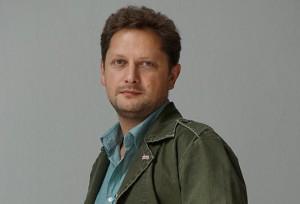 Режиссер Евгений Писарев.