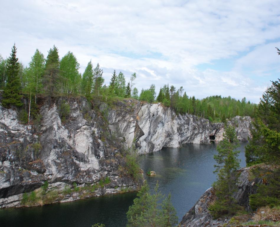 Мраморный каньон «Рускеала», маршрут «Санкт-Петербург—Москва»