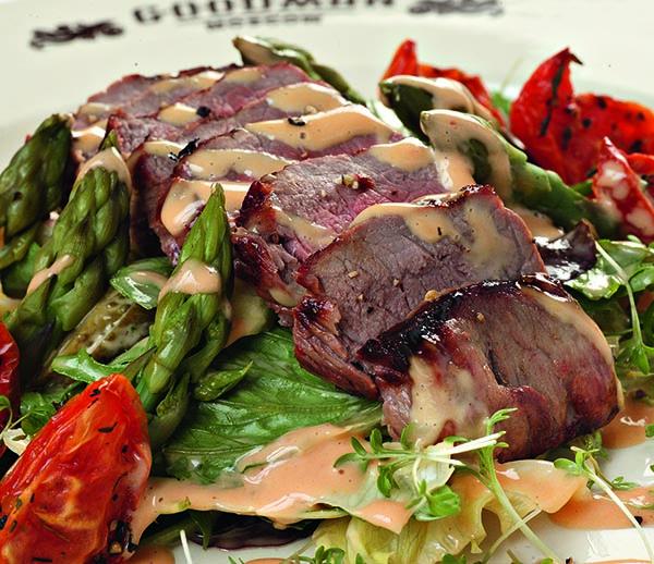 Салат со стейком Нью-Йорк
