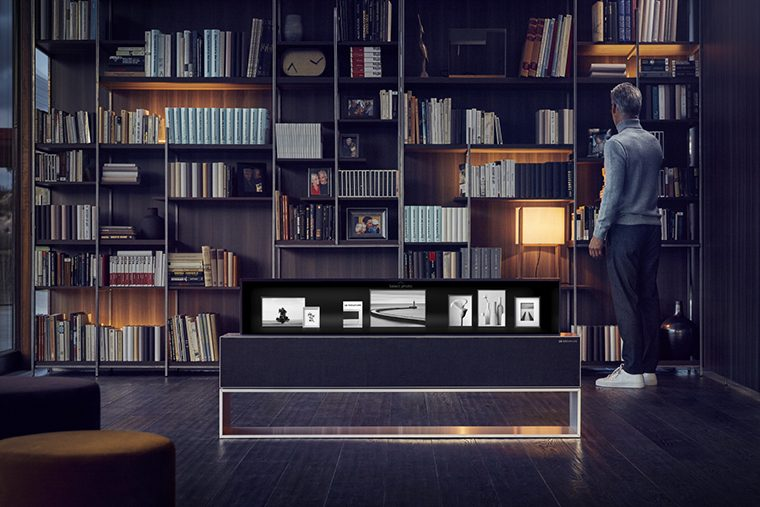 телевизор LG SIGNATURE OLED TV R in